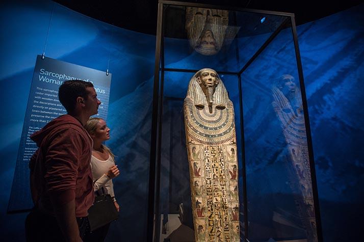 Momias del Mundo: La Exhibición en el Museo Bowers