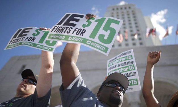 California acuerda aumento al salario mínimo a $15 la hora para 2022