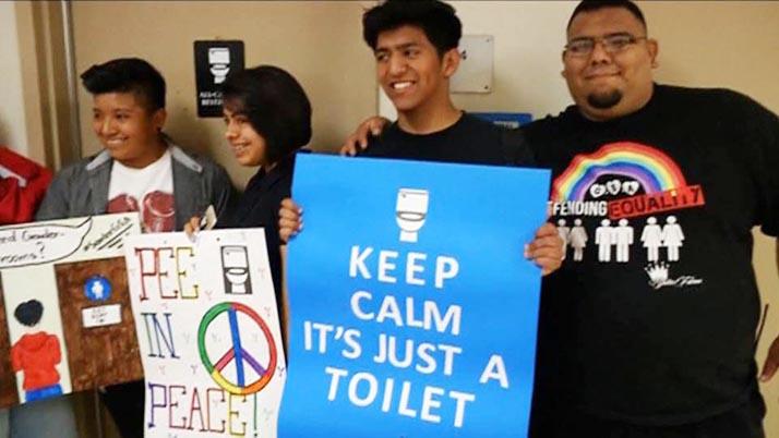 Distrito escolar de Los Ángeles inaugura primer sanitario de género neutro
