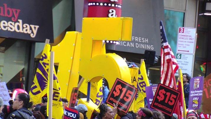 Lucha laboral nacional por un salario de quince dólares la hora