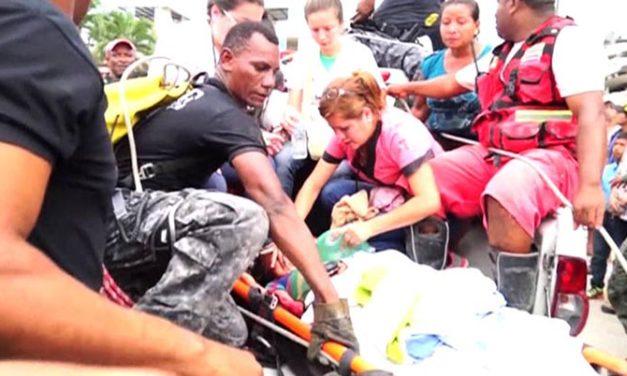 Terremoto en Ecuador lleva al menos 272 muertos y más de 2,500 heridos