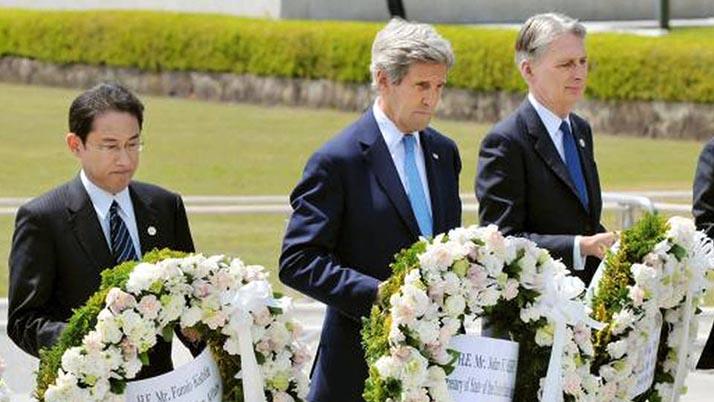 John Kerry visita Hiroshima, pero no se disculpa por lanzamiento de bomba atómica de Estados Unidos