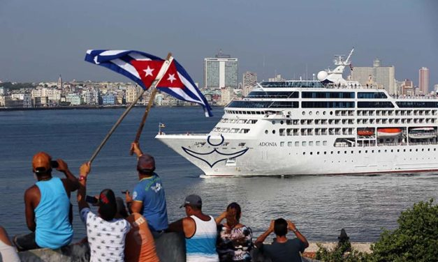 Crucero estadounidense llega a Cuba por primera vez en 50 años