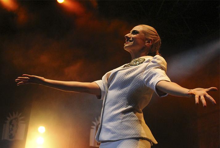 No llores por mí, Argentina: «Evita» en Irvine Barclay Theatre