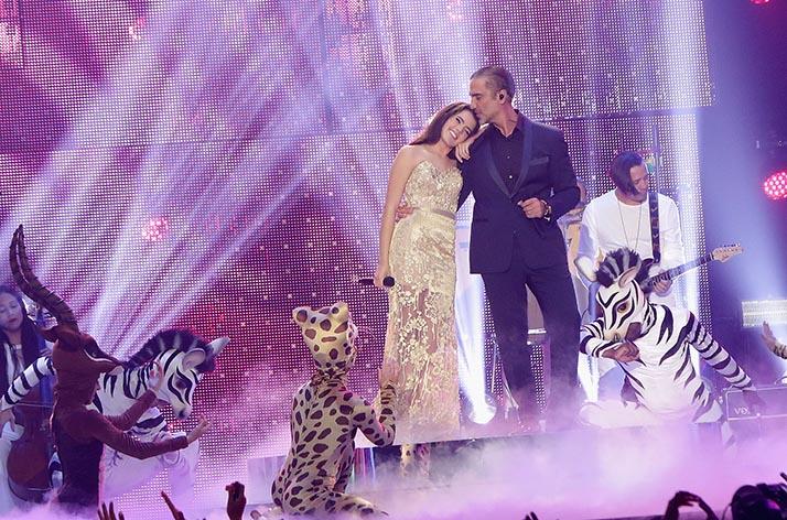 Alejandro y Camila Fernández cantan por vez primera juntos