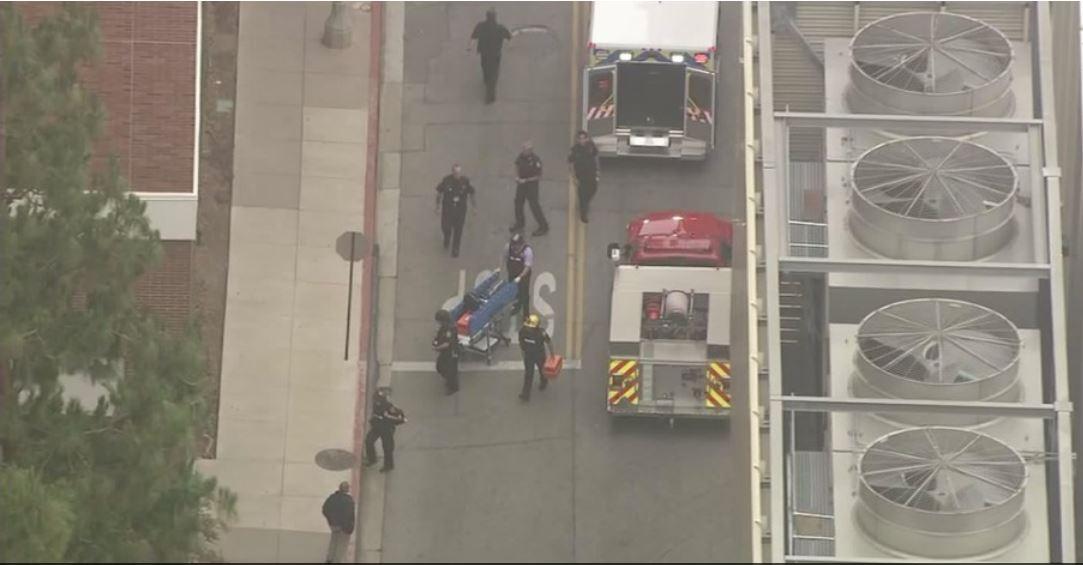 Al menos dos muertos en tiroteo en campus de UCLA
