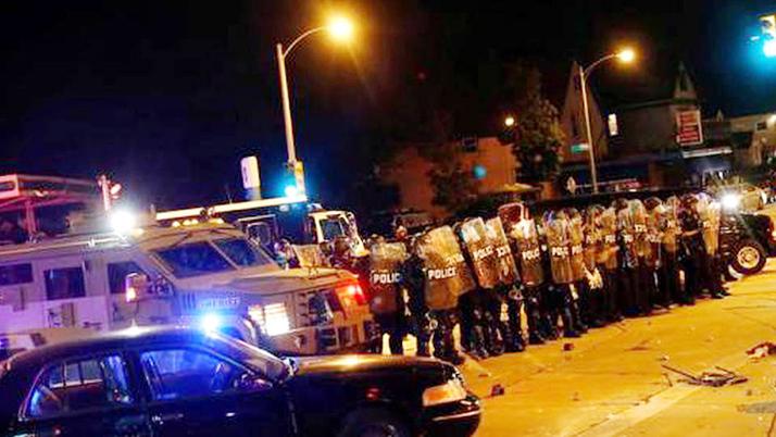 Disturbios en Milwaukee por el asesinato de un afroamericano por la policía