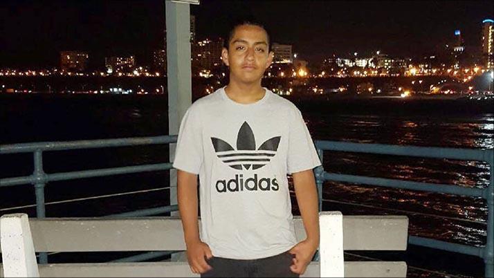 Policía de Los Ángeles mata a estudiante de secundaria de 14 años