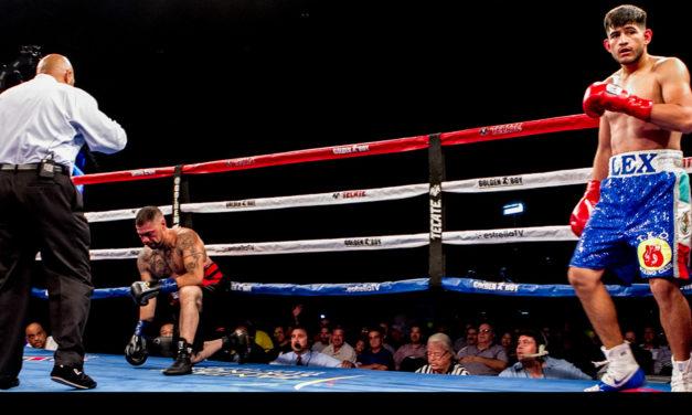 Alexis mantiene las expectativas de la ciudad de Santa Ana en sus guantes de boxeo.