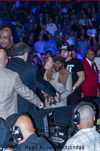 Jessie Vargas una víctima más del imponente Boxeador Manny Pacquiao.