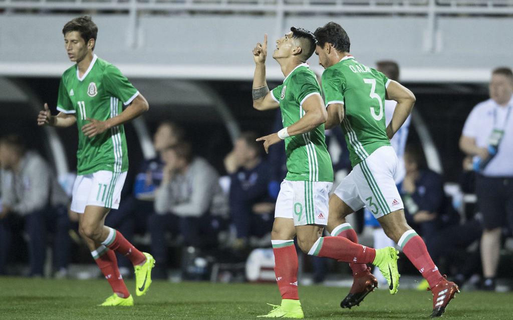 México vence 1-0 a Islandia