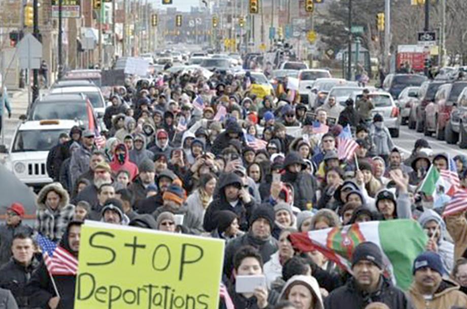 """Cientos apoyaron """"un día sin inmigrantes"""""""