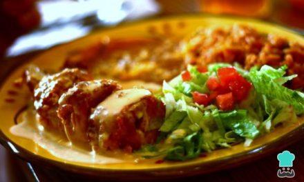 Receta de Rollos de pechuga de pollo rellena al horno