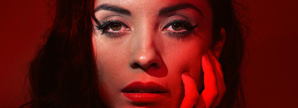 Amar y Vivir, una  producción de La Santa Cecilia en México