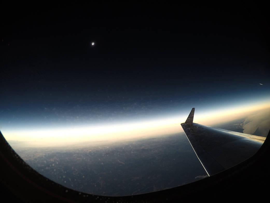Eclipse solar visible parcialmente en Orange