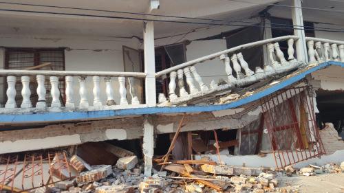 Migrantes en Los Angeles se Organizan para Responder al Grito de Ayuda de los Damnificados por el Terremoto que Devastó el Istmo; Oaxaqueños Llevarán Ayuda