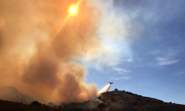 Incendio en el sur California se extiende a 2,000 acres en un día complicado por altas temperaturas