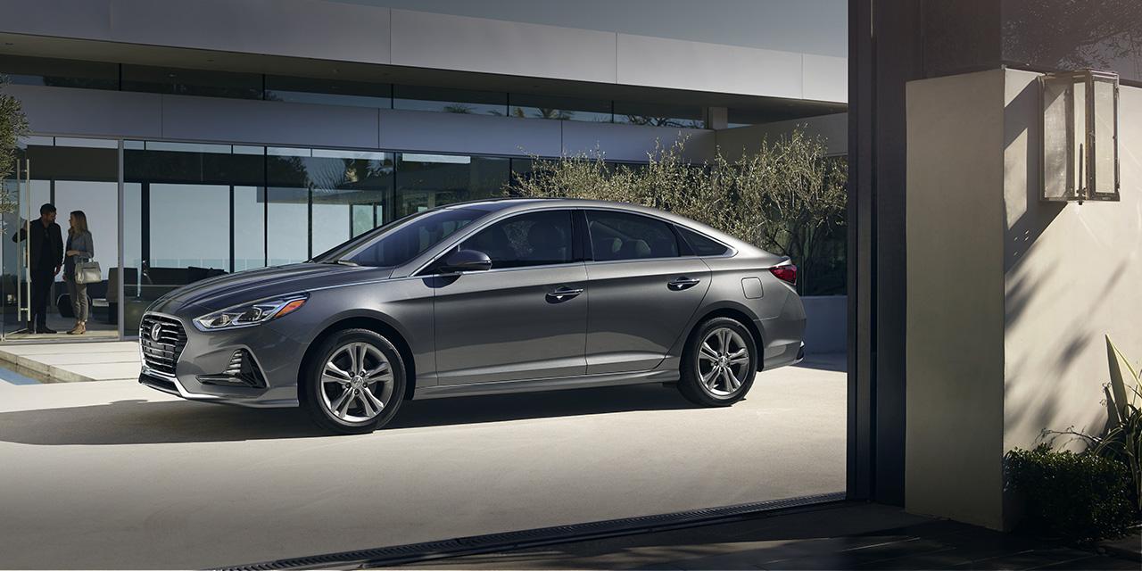 Hyundai presenta el recientemente rediseñado Hyundai Sonata