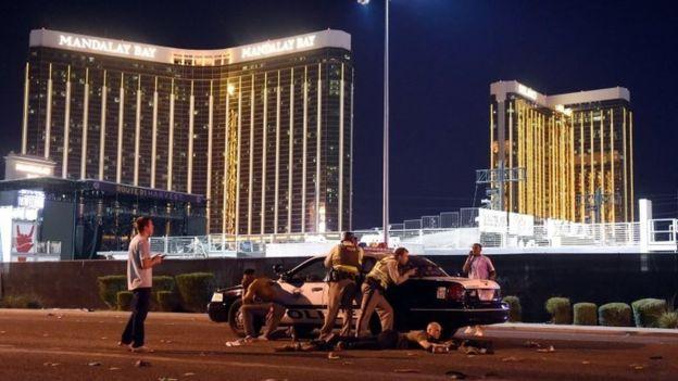 Casi 60 muertos y más de 500 heridos en un tiroteo en Las Vegas