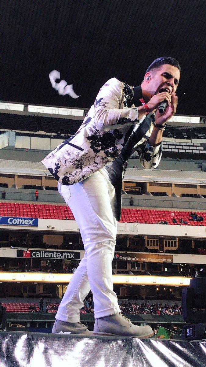 La Ke Buena con Causa hace vibrar el Estadio Azteca