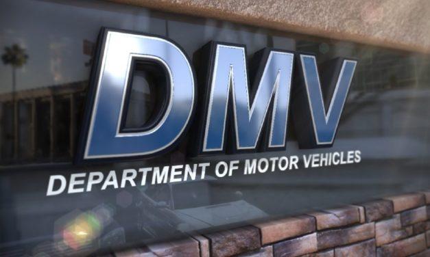 El DMV le permite a los clientes evitar venir a una oficina del DMV durante 60 días