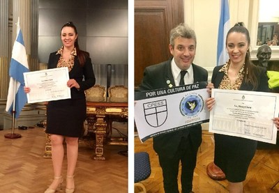 La Licenciada Nancy Clara, es reconocida por el Honorable Senado de la Nación Argentina, al recibir un diploma por su participación en el 2do. Congreso Mundial por la Paz