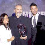 Miguel Bosé es galardonado por Global Gift Foundation USA y recibe la llave de la ciudad de Miami Beach