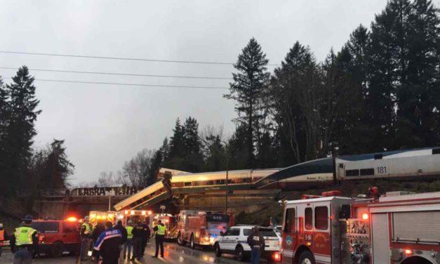 Varios muertos y heridos al descarrilar un tren Amtrak en Washington