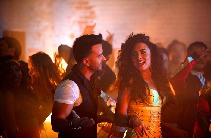 """Luis Fonsi Logra otro Éxito Global con """"Échame La Culpa"""", Junto a Demi Lovato"""