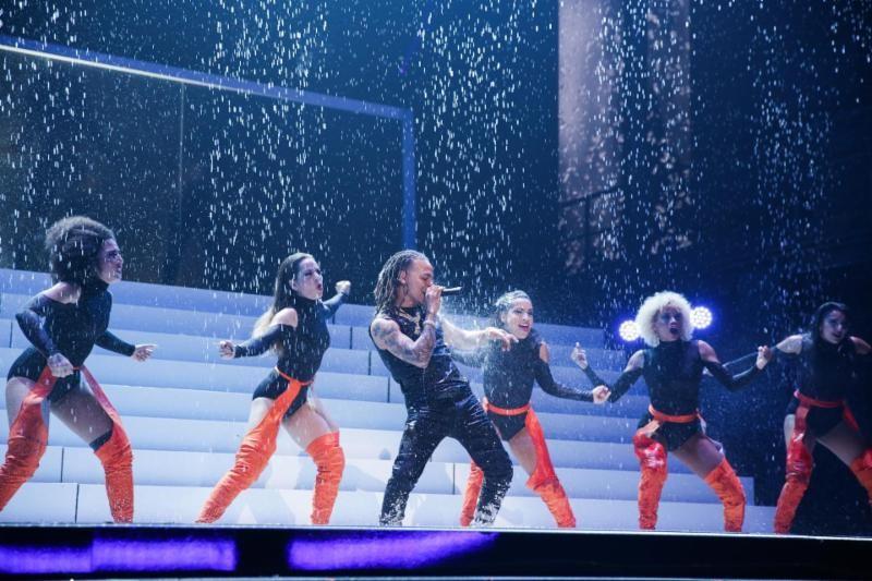 Ozuna impresiona con múltiples presentaciones musicales en Premios Lo Nuestro de Univisión