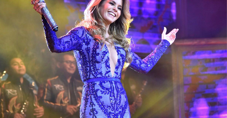 Lucero presenta su nueva producción «Más enamorada con Banda»