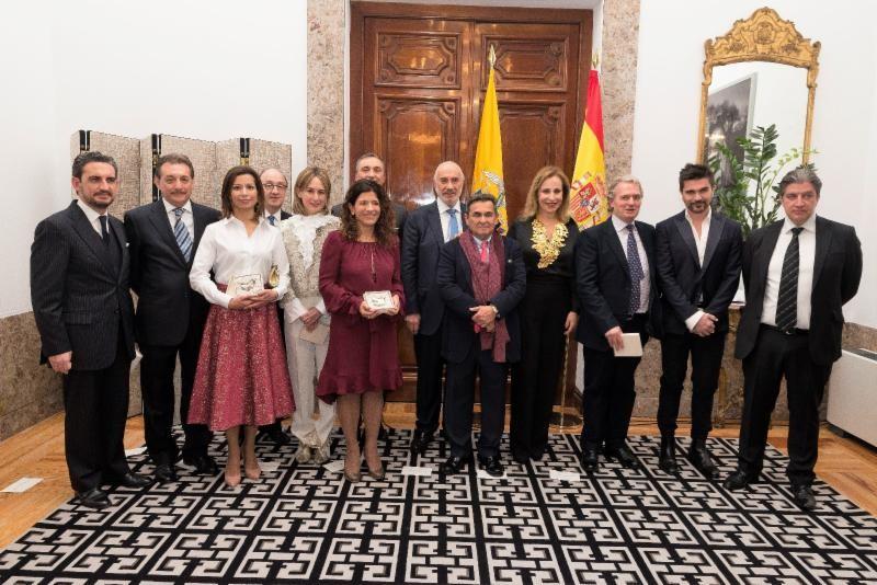 Juanes recibe Condecoración como Colombiano Destacado en España