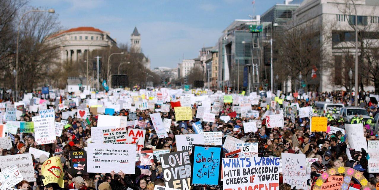 Decenas de miles marchan por el control de armas