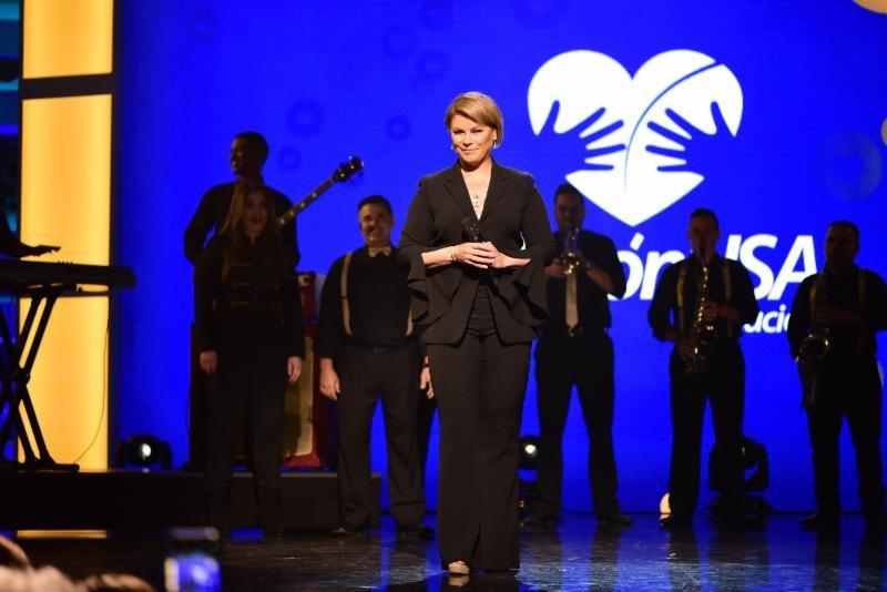 Olga Tañón establece nuevo record en la radio de Estados Unidos con su éxito «Como en la Vegas» junto a Chyno Miranda