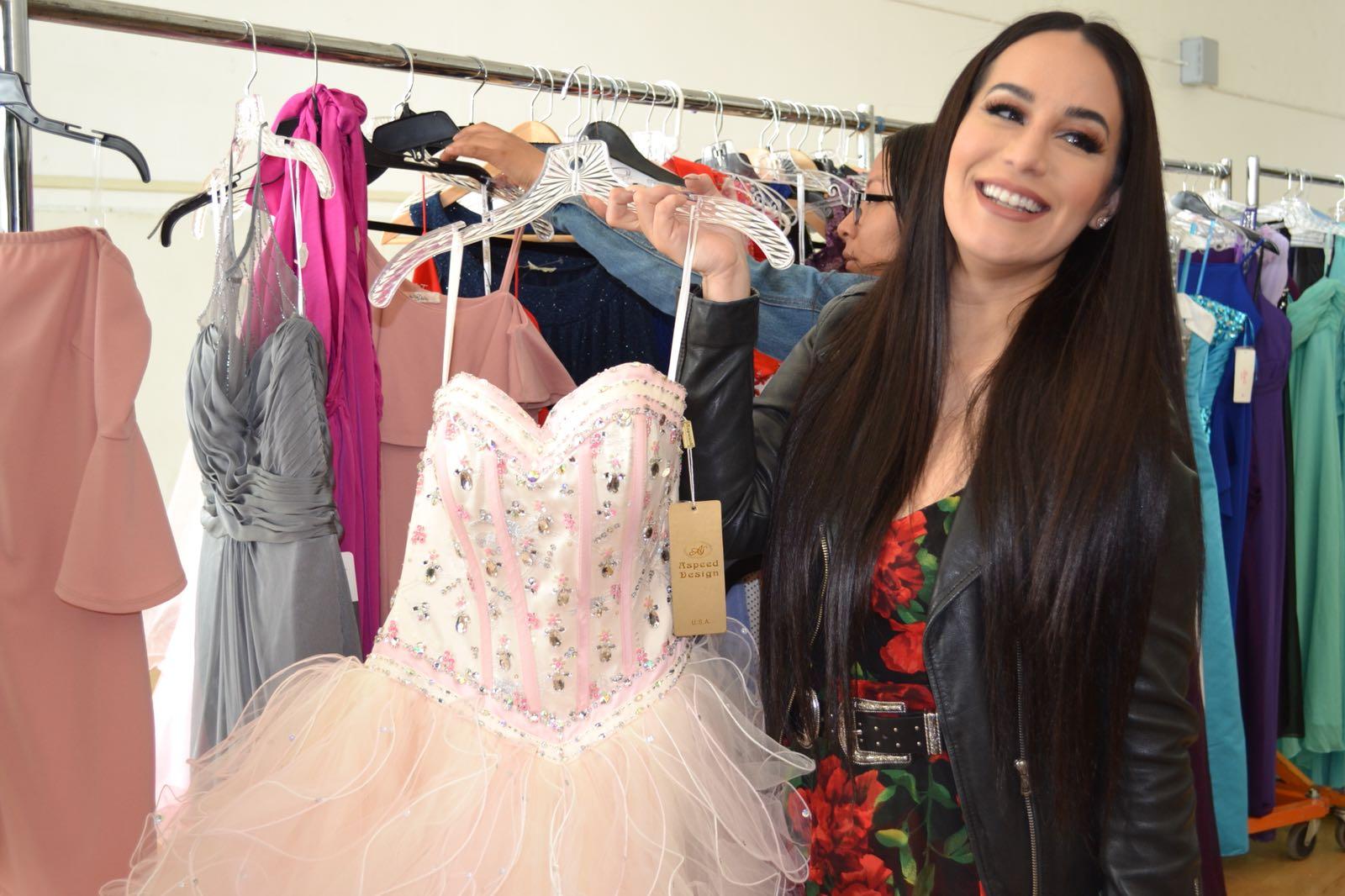 Victoria 'La Mala' celebró a las ganadoras de su #Teammalapromgiveaway en Los Ángeles con un evento inolvidable