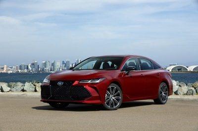 El totalmente nuevo Toyota Avalon 2019 proyecta sofisticación, estilo y euforia de forma natural