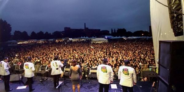 Los Ángeles Azules triunfaron en el Ruido Fest de Chicago, continúan su tour por EU y Esto Sí Es Cumbia sigue en el #1 de ventas