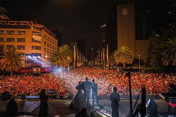 Pepe Aguilar pone a vibrar el Monumento a la Revolución