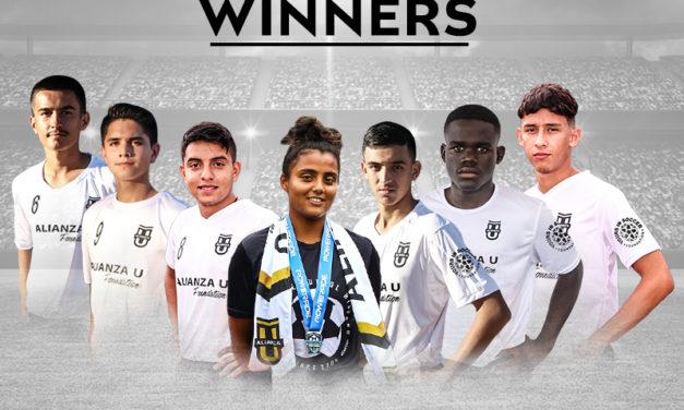 """Telemundo otorga siete becas """"El Campeón en Ti"""" a distinguidos estudiantes atletas que aprovecharon el poder de los deportes para transformar sus vidas"""