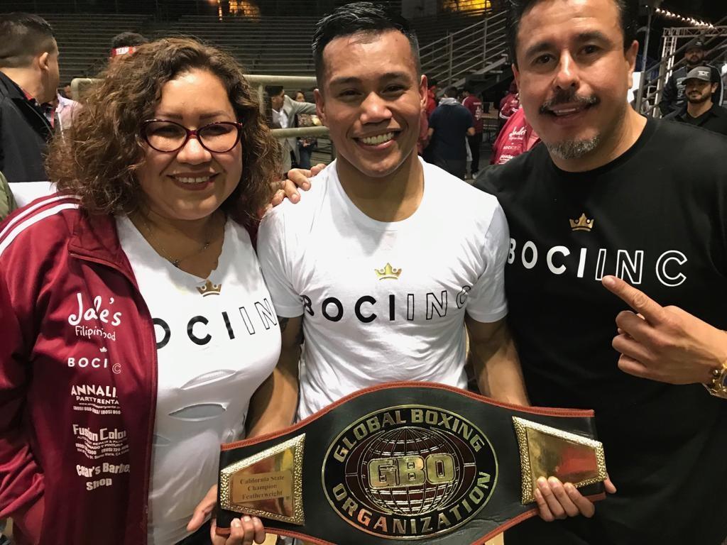 John Leo Dato gana campeonato GBO del estado de California contra el veterano boxeador Guadalupe Arroyo