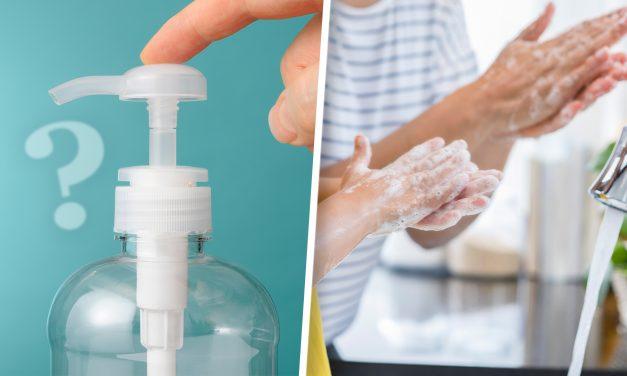 Los desinfectantes de manos pueden ser una buena alternativa ante la falta de jabón o agua