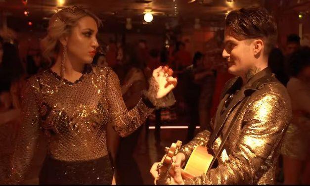 Mitre empuja los límites de la creatividad en su nuevo video musical 'Pa Morir Nacemos'