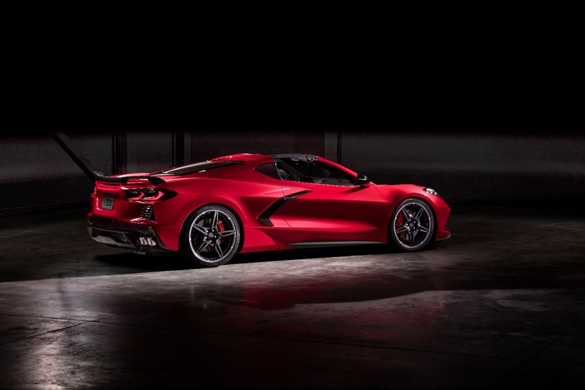 Chevrolet Presenta el Primer Corvette con Motor Central en Tustin CA