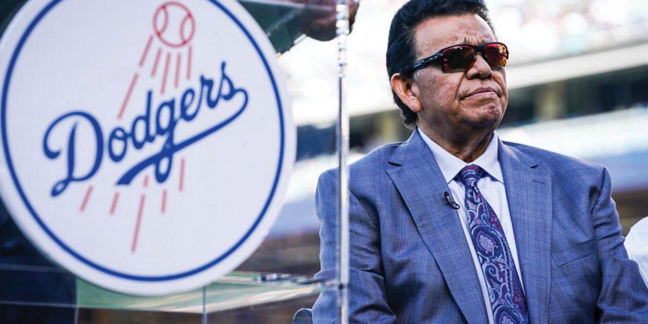 Fernando Valenzuela entre las Leyendas de Dodgers