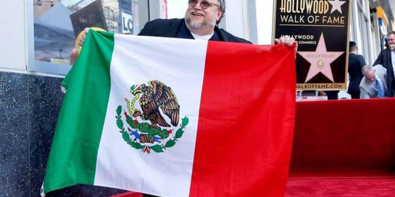 Guillermo Del Toro recibe su estrella en Hollywood