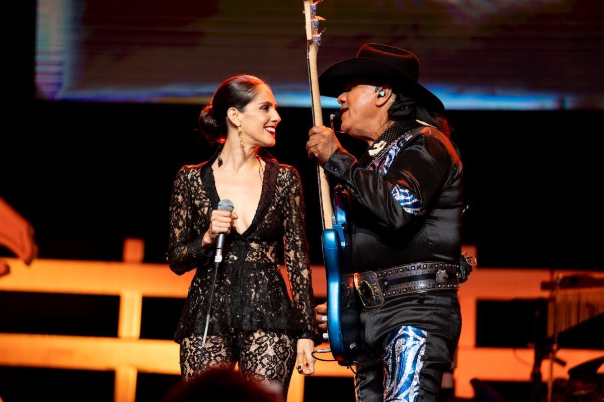 Bronco deleitó al público de Los Ángeles con una Gran Presentación en el Microsoft Theater junto a Grupo Bryndis y Sandra Echeverría
