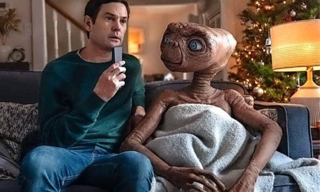 Tras 37 años, E.T. y Elliott se reencuentran