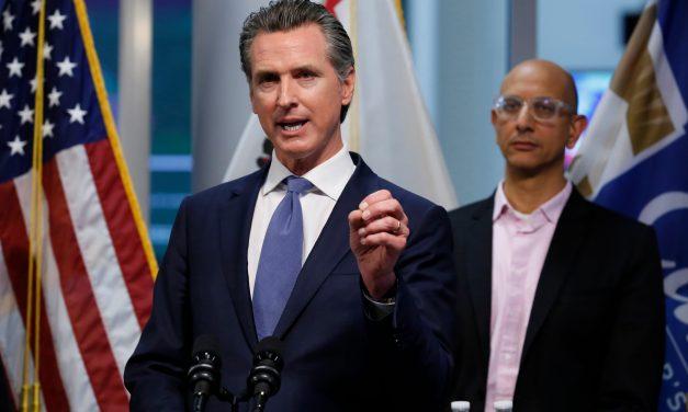 El gobernador Gavin Newsom anuncia un importante paquete de ayuda financiera: sin nuevas ejecuciones hipotecarias y sin cargos por sobregiro durante la crisis de COVID-19