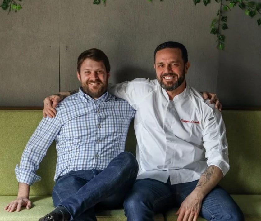 Delivery gourmet  Coronavirus en Estados Unidos: la historia del argentino que reinventó su restaurante y es un éxito en plena crisis