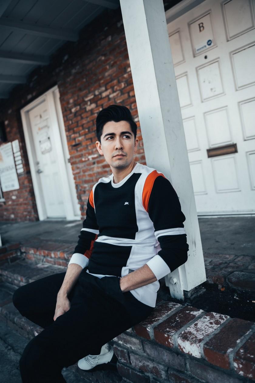Dylan Carbone rompe con el aburrimiento con su música en redes sociales!